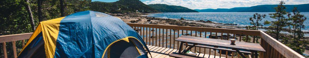Randonnée pédestre avec coucher en camping en bordure du Fjord-du-Saguenay